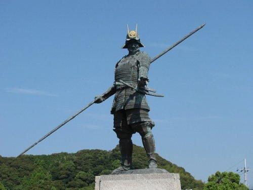 長宗我部元親の銅像