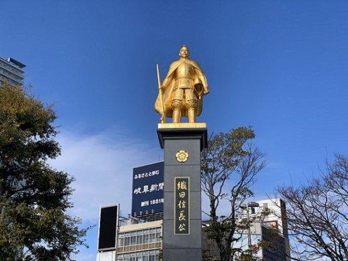 画像織田信長の銅像
