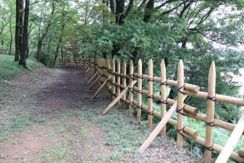 明智城祉の馬防柵
