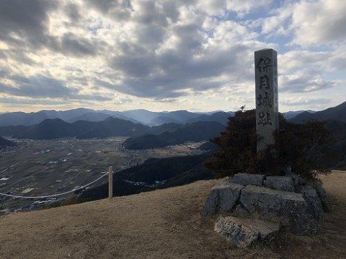 黒井城(別名で保月城)