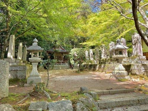 遠山氏累代の墓所