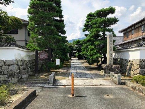 滋賀県大津市の聖衆来迎寺の入り口