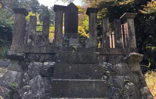 福原長堯のお墓