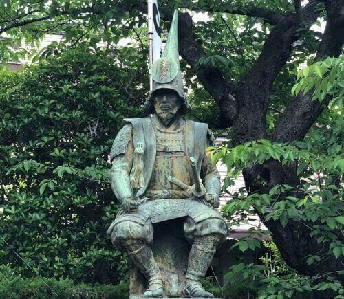 加藤清正像(生誕地・妙行寺にある)