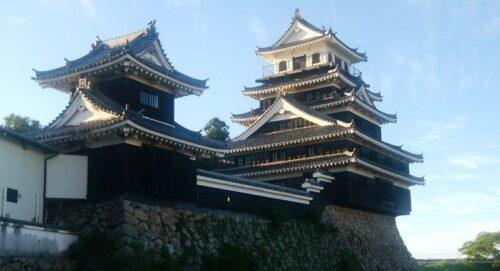 中津城模擬天守と復興櫓